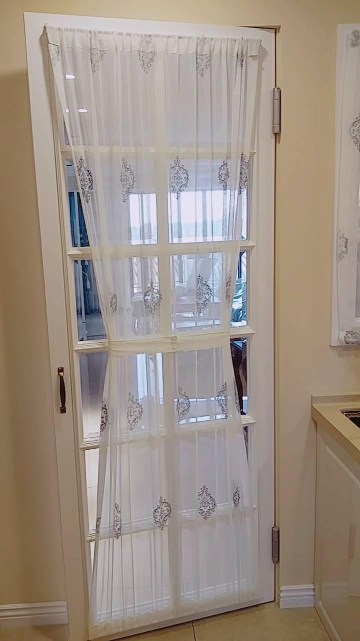 廚房門柔美窗紗上下穿管簾