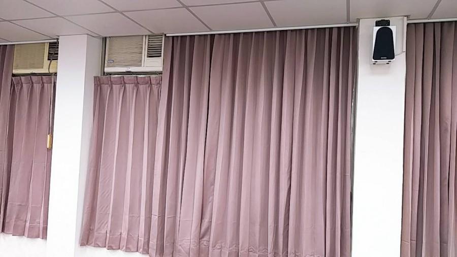 中壢知名大學_教室有冷氣窗型搭配大小片窗簾