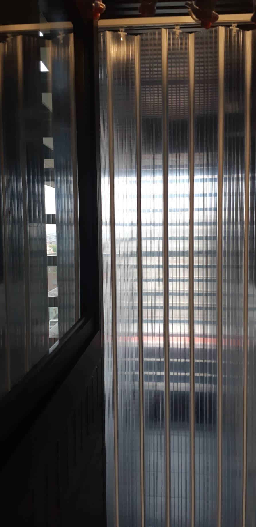 陽台防塵隔間透明拉門